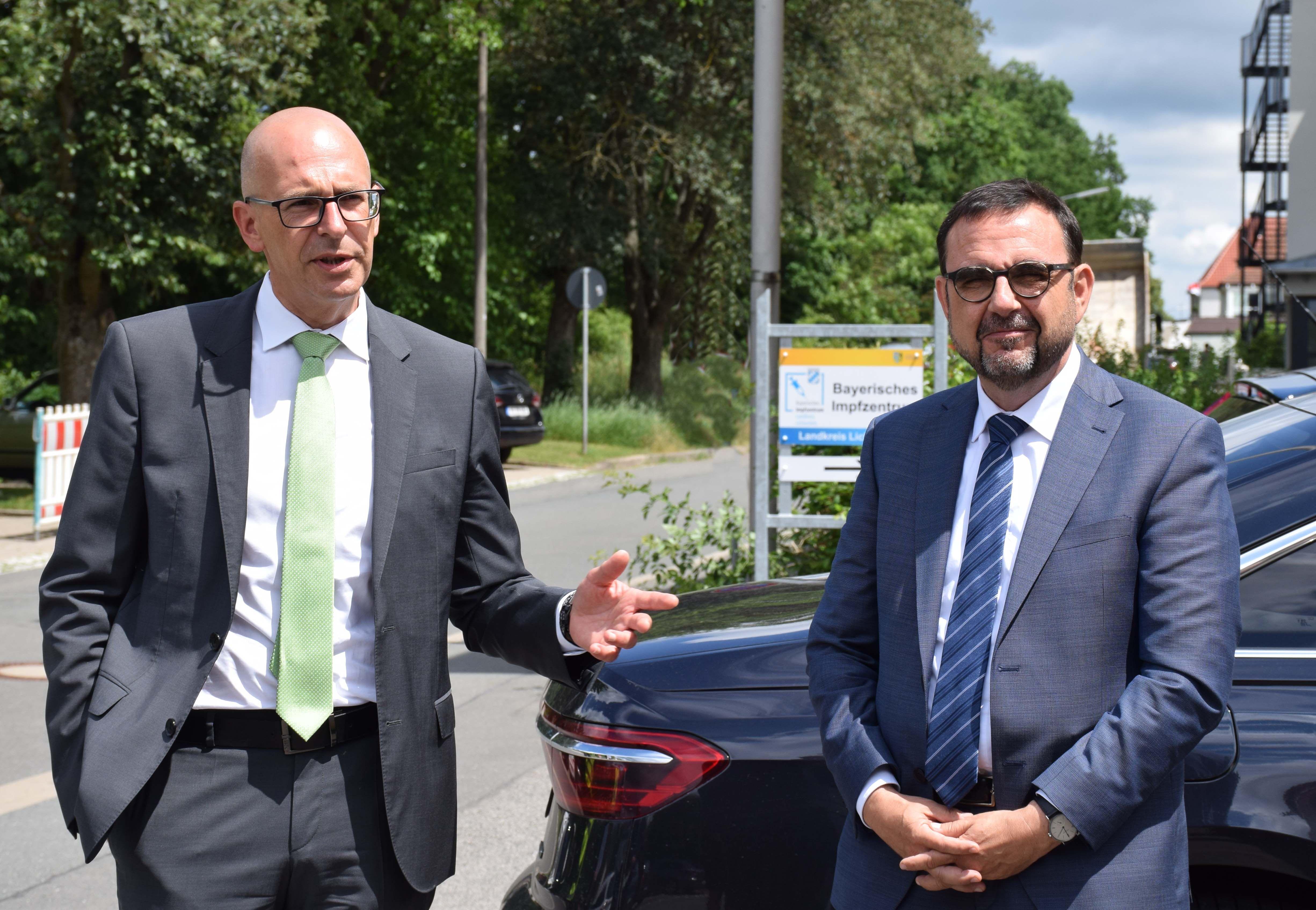 Landrat Christian Meißner, Staatsminister Klaus Holetschek. Foto: Landratsamt Lichtenfels/Heidi Bauer