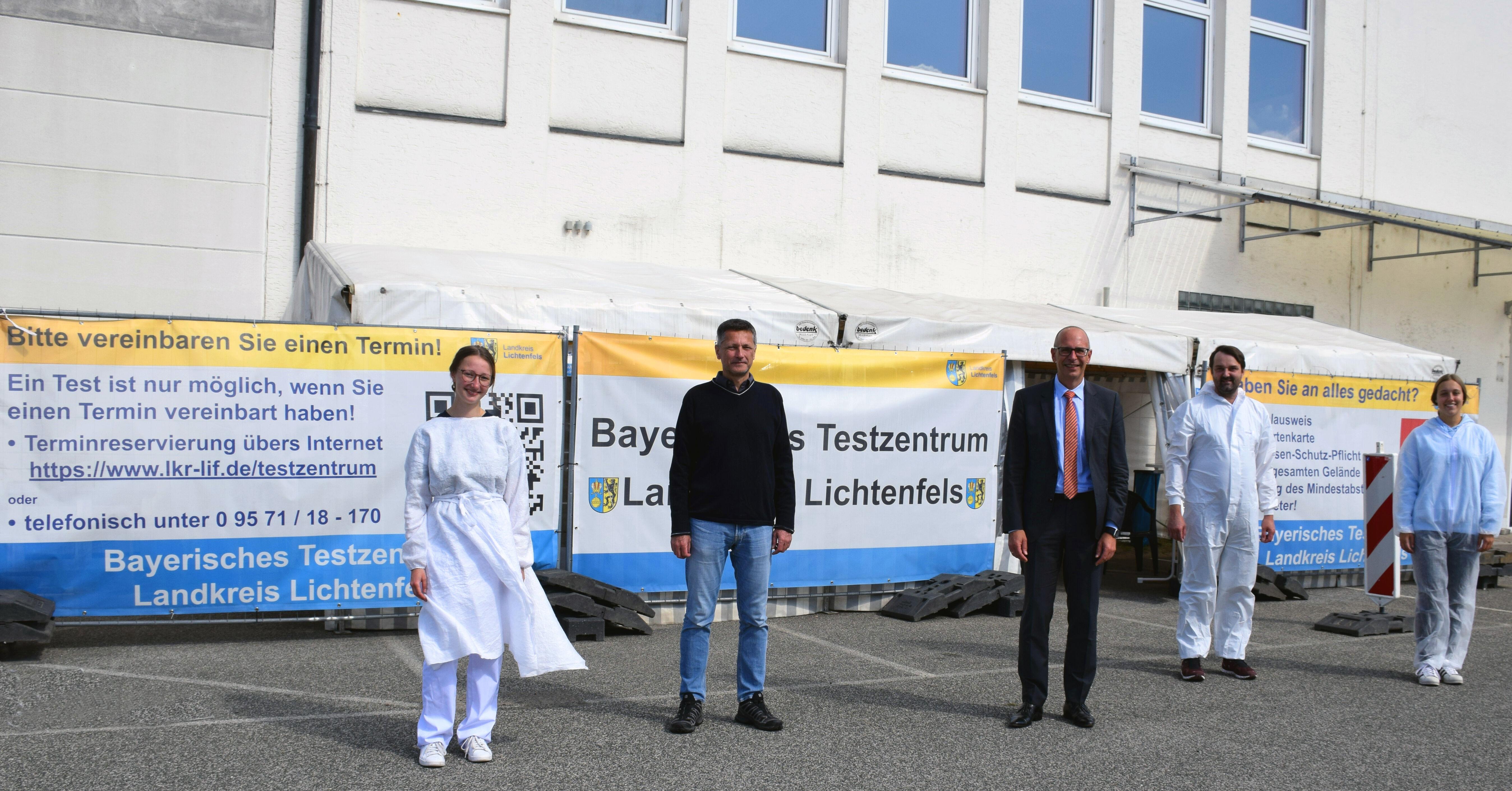 Seit dem 1. September 2020 gibt es das Bayerische Testzentrum des Landkreises Lichtenfels in Burgkunstadt. Landrat Christian Meißner danke dem ärztlic